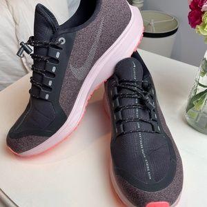 NIKE Zoom Air Pegasus 35 Shield Running Shoes